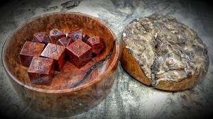manzinita burl dice and lidded bowl open