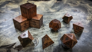 Honduran Rosewood Polyhedral Dice Tone 1